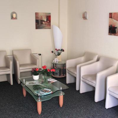 Wartezimmer in der Zahnarztpraxis
